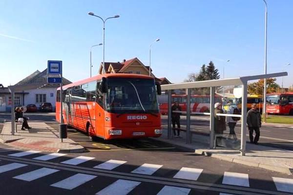 Obnovené ulice so stanicou